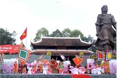 Unique traditional festivals of Hanoi attract foreign visitors