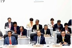 Prime Minister Phuc joins activities at 14th G20 Summit