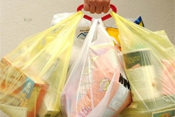Hanoi targets no use of nylon bags by 2020