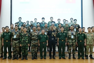 Vietnam, India hold exercise to share peacekeeping experience