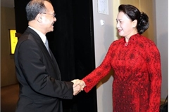 NA Chairwoman receives Chinese companies' executives