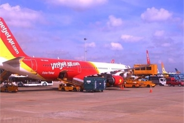Domestic airlines delay, cancel almost 4,000 flights in July