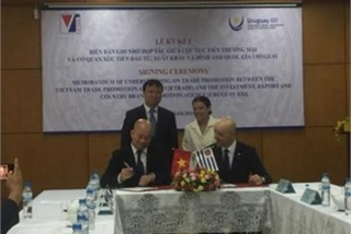 Vietnam, Uruguay sign trade, investment promotion deal