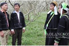 Lang Son promotes folk music value