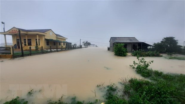 Five dead, six missing due to severe floods hinh anh 1