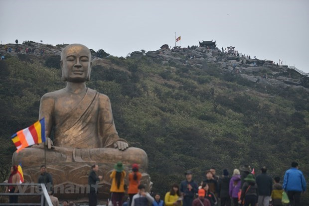 The majestic beauty of sacred Yen Tu Mountain hinh anh 1