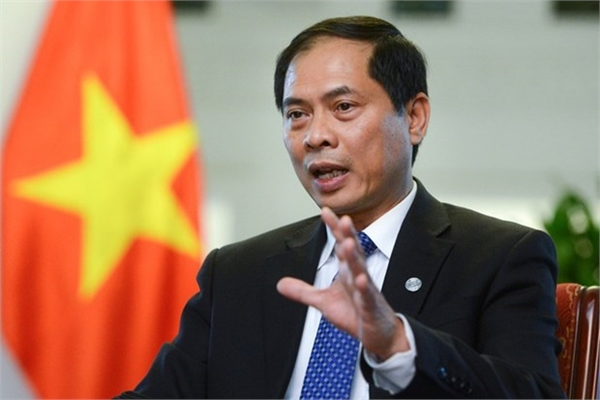 Minister elaborates on priorities for Vietnam's diplomatic sector
