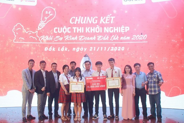 Youngsters optimistic about Vietnam's outlook over next 15 years hinh anh 1