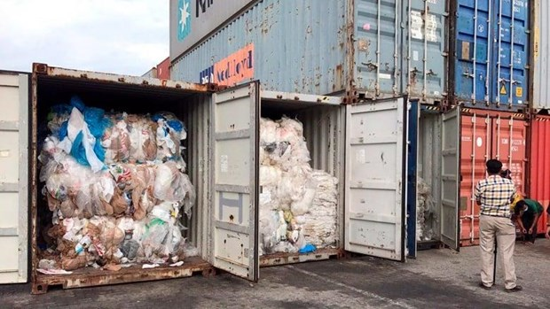 Cambodia ships back 83 plastic waste-filled containers to US, Canada hinh anh 1