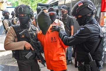 Indonesia arrests eight IS-linked terror suspects