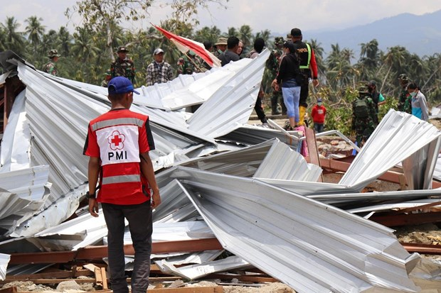 Indonesia: Dozens of thousands of people live in tents after quake, tsunami hinh anh 1