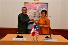 Malaysia, Indonesia sign 2-billion-USD currency swap deal