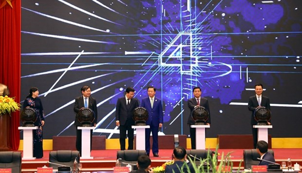 International-standard GPS stations launched in Vietnam