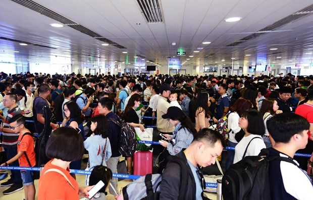 Tan Son Nhat airport to serve over 3.7 million passengers during Tet hinh anh 1