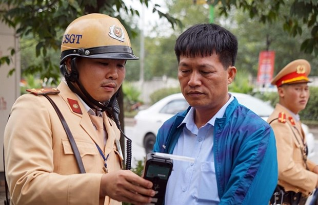 Over 3,700 drink driving cases dealt with in first week of new year hinh anh 1