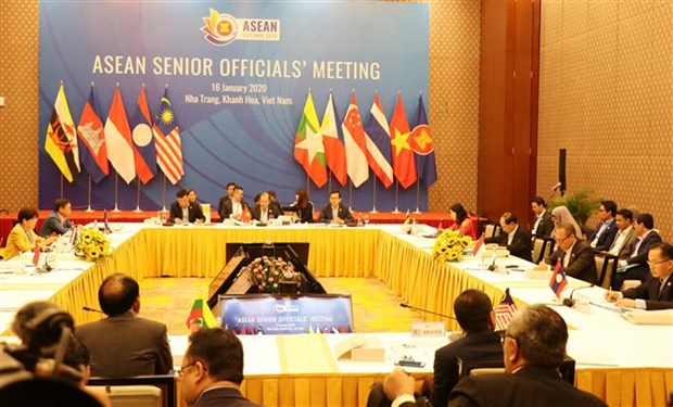ASEAN senior officials meet to prepare for AMM Retreat hinh anh 1