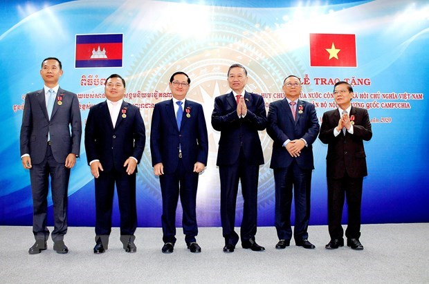 Vietnamese, Cambodian security ministries boost cooperation hinh anh 1