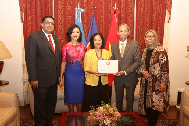 Vietnam takes over Chairmanship of ASEAN Committee in Buenos Aires hinh anh 1