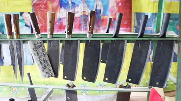 Knife village retains traditional craft hinh anh 2