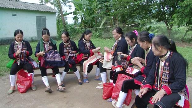 Hoa Binh preserves unique costume of Dao quan chet group hinh anh 1