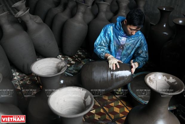 Formation, development of Ha Thai lacquerware craft village hinh anh 1