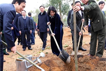 PM, Vice President launches New Year tree-planting campaigns
