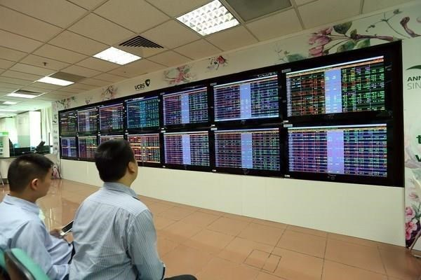 Foreign investors net buy VN shares after 5-month offloads hinh anh 1