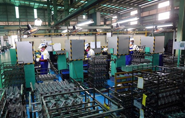 Industrial sector's growth likely to slow down due to COVID-19 hinh anh 1