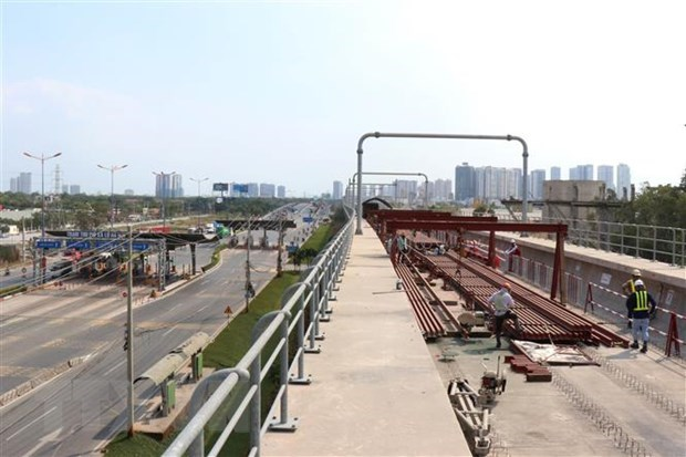 HCM City speeds up construction of metro line No. 1 hinh anh 1