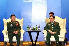 ASEAN 2020: Defence ministers of Vietnam, Laos meet in Hanoi