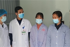 Two more COVID-9 patients discharged from hospital in Vinh Phuc