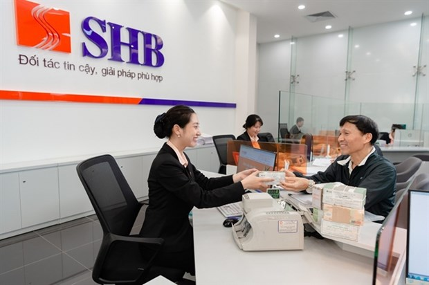 Banks speed recruitment to meet expansion plans hinh anh 1