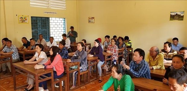 Language, law course opened for Vietnamese living in Cambodia hinh anh 1