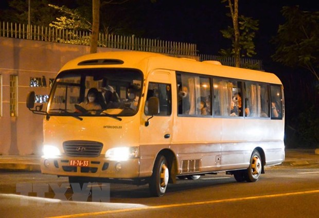Korean passengers flown back home from Da Nang city hinh anh 1