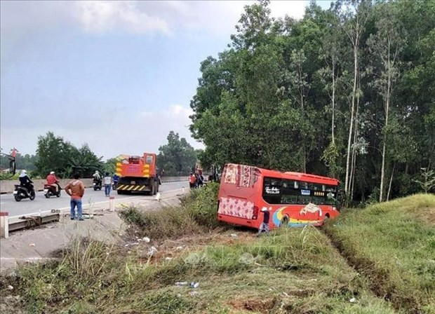 Traffic accidents kill 1,125 people in two months hinh anh 1