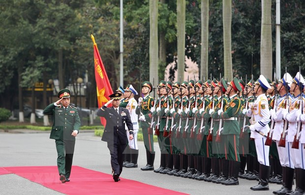 Top officer of Japan's Self-Defence Forces visits Vietnam hinh anh 1