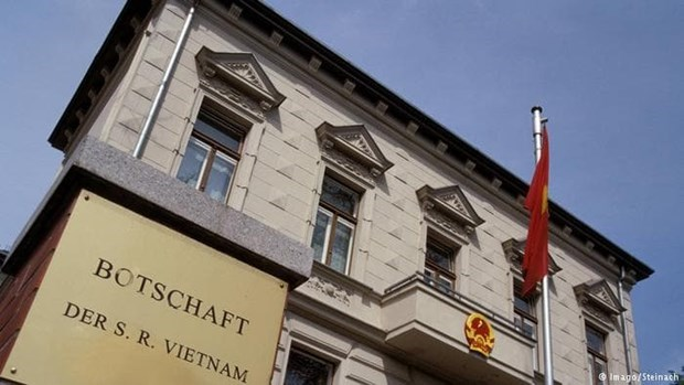 German police probe into Vietnamese migrant smuggling ring hinh anh 1