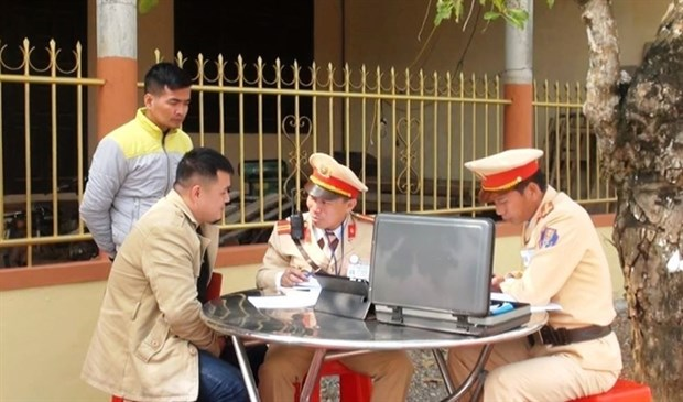 Traffic fines to be collected online on trial basis hinh anh 1