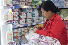 Consumer goods abundant, prices stable in Hanoi, HCM City