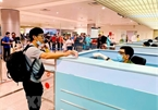 Vietnam suspends visa granting to foreigners for 30 days