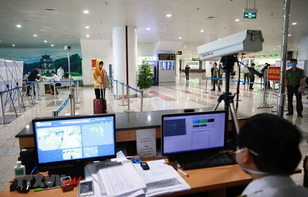 Vietnam to halt entry to all foreigners due to COVID-19 hinh anh 1