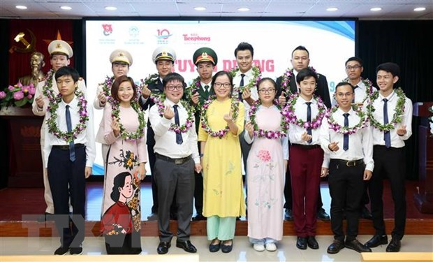 Outstanding and potential young faces in 2019 honoured hinh anh 1