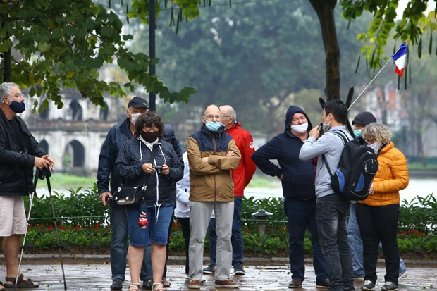Vietnam greets 3.7 million foreign visitors in Q1 hinh anh 1