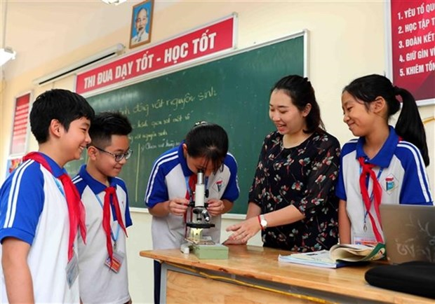 Hanoi extends online and television-based teaching during COVID-19 hinh anh 1