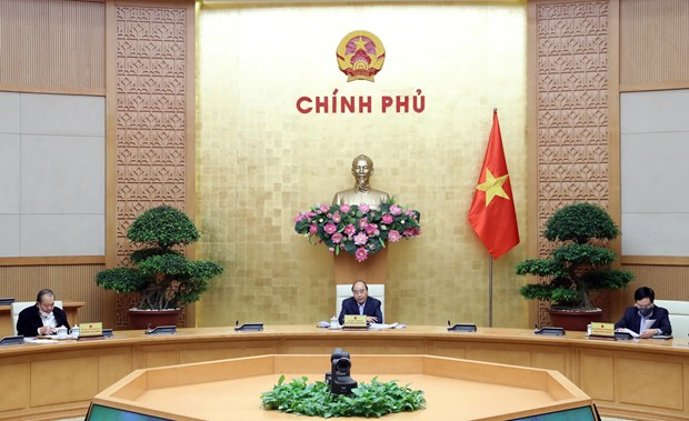 Social distancing should be lifted gradually, prudently: PM hinh anh 1