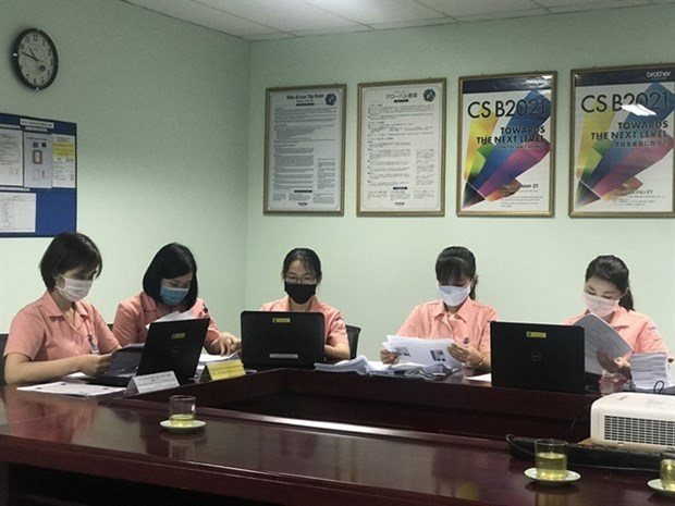 Online administrative procedures improved to save time, cost hinh anh 1