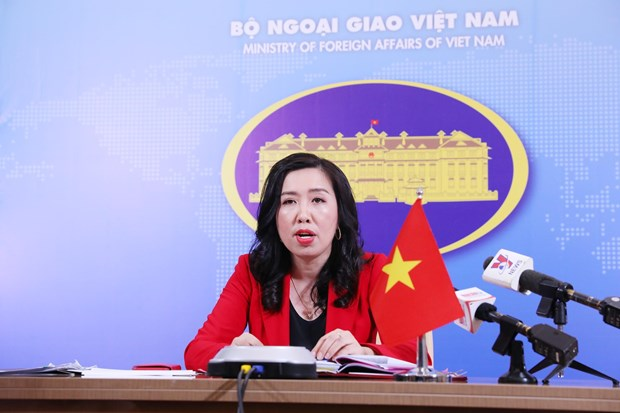 Vietnam keeps close watch on complex situation in ASEAN countries' territorial waters hinh anh 1