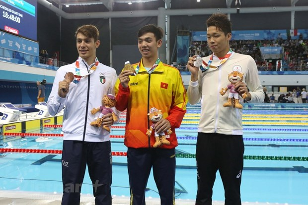 Young talent swimming towards Olympic dreams hinh anh 3