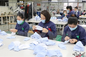 Pandemic-hit garment producers find way to weather crisis