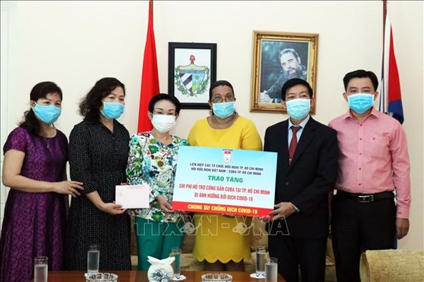 HCM City offers COVID-19 relief to struggling foreigners hinh anh 1